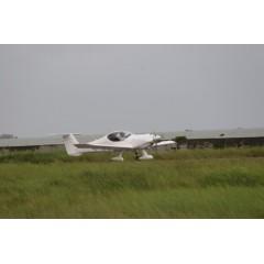 轻型运动飞机BAW白色,试飞高飞