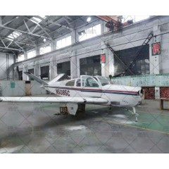 退役比奇B35飞机