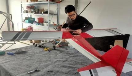 只有初中文凭的河南青年农民造出无人机 产品远销国外
